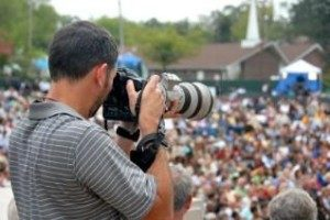 60864-318x212-PhotojournalismEthics-300x200 [1]