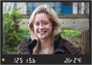 How_to_use_focus_lock_digital_camera.closeup_1 [1]